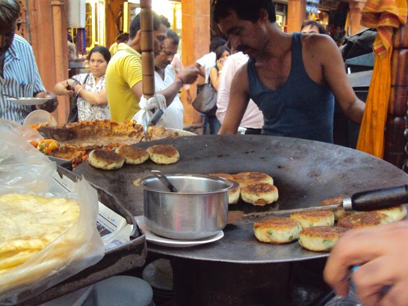 Street Food - Aloo Tikki Kulcha