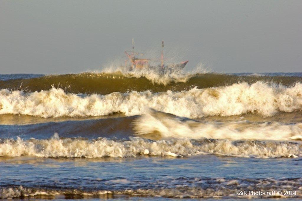 Turbulent Sea at Anjarle