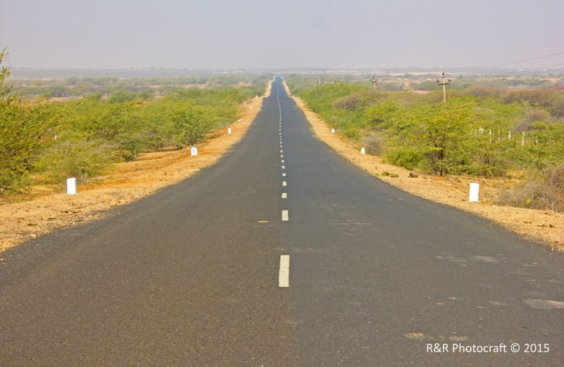 Road to Lakhpat
