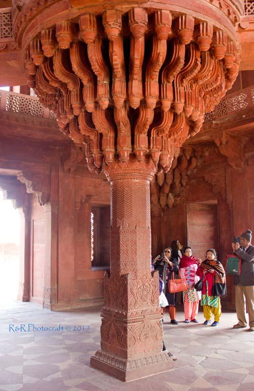 Diwan-e-Khas interior .. Fatehpur Sikri