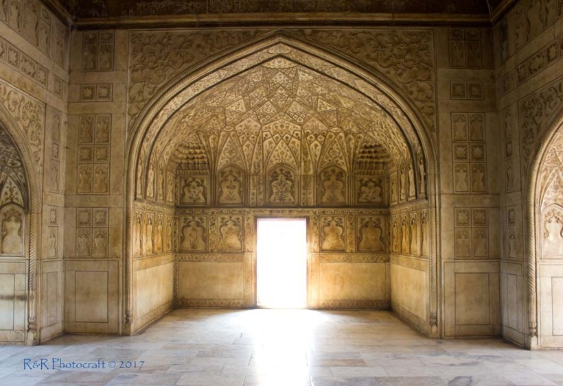 Lavish interiors of Jahangir Mahal, Agra Fort